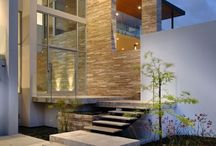 EXTERNAL. FEATURE. WALLS. / Stone feature walls can create bold statements & strong visual impact creating a point of difference in both commercial & residential settings.