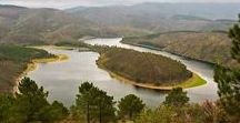 Maravillas naturales de España / Aquí van 10 maravillas naturales que quizá no conozcas en España  España se precia de tenerlo todo: espectaculares parques naturales, cuevas milenarias, playas de infarto, calas recónditas, valles inhóspitos... De norte a sur de este a oeste, este país está lleno de rincones sorprendentes.  https://www.skyscanner.es/noticias/los-10-paraisos-naturales-de-espana-mas-desconocidos