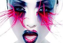 POP / COLORÉ / De la couleur, du flash, des poses, les photos les plus POP de Normal Magazine.