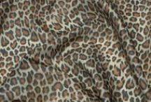 Podšívky / Podšívky jednobarevné i vzorované. Podšívkové látky se používají pro podšívání kabátů, plášťů, sak, sukní.