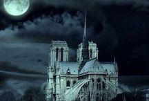 Haunted Houses / Haunted Houses, Haunted Homes, Haunted Castles, Haunted Hotels, Just plan Haunted