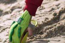 Spaß mit Wasser & Sand / Sowohl im Sandkasten als auch am Strand: Unser HABA Sandspielzeug garantiert großen Spielespaß in unzähligen Varianten. Bauen, backen oder buddeln? Die Möglichkeiten sind endlos!  Zu entdecken unter: www.haba.de/sandspielzeug