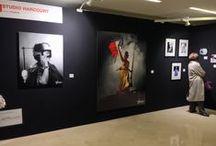 @ Fotofever 2014 / Voici le regard de l'Agence sur FOTOFEVER 2014 au Carroussel du Louvre. En clin d'œil à notre amie Cécile Schall, directrice de la foire. Un succès remarquable auprès du public pour cette troisième édition parisienne...