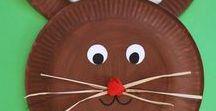 Ostern mit HABA / Osterzeit ist Ferienzeit, an den Feiertagen ist die ganze Familie zusammen. Das ist die beste Gelegenheit, um wieder mal so richtig ausgiebig zusammen zu spielen und Spaß zu haben. Wenn Kinder auf der Suche nach ihrem Osternest durch Garten oder Park flitzen, können sie ihrem Bewegungsdrang nach Lust und Laune nachgeben und wie Hasen oder Kaninchen herumhoppeln. Mehr Infos unter: http://bit.ly/HABA-Ostern