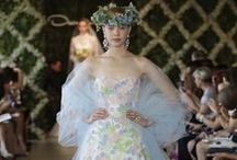 DRESSES WE LOVED / BIJZONDERE OPVALLENDE BRUIDSJURKEN EN APARTE CREATIES