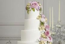 BRUIDSTAARTEN / Wat zijn er een prachtige bruidstaarten  gemaakt, de smaak weet ik niet maar ze zijn betoverend mooi.