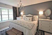 Slaapkamer / - Ladenkastjes naast bed - Bankje of houten bakken (ex nachtkastjes) achter bed