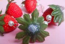 We love strawberry's / Strawberry jewellery handmade ''By Maruschka'' www.intoaccessories.nl