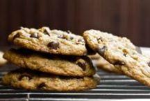 Plant-Powered Desserts / Vegan & raw vegan desserts to satisfy that sweet tooth!