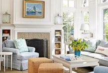 Decorating Small Living Rooms / Tips and Tricks to make a small living room look larger.