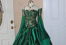 Victorian dresses / Olden day Victorian dresses