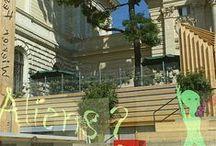 Festwochen-Zentrum 2015 / Treffpunkt für Künstlerinnen, Künstler und Publikum 16. Mai Eröffnungstag, 16 bis 21 Uhr  17. Mai bis 21. Juni, täglich ab 10 Uhr Akademiestraße 13, 1010 Wien