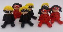 LadyBug - Catnoir -  Miraculous / Miniaturas confeccionadas em biscuit para decoração de caixinhas de acrílico,  lápis com ponteiras , colherzinhas para brigadeiro de colher tema LadyBug, Catnoir - Miraculous.