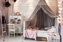 chambre fille / une chambre de petite fille douce et poétique. Pretty and sweet girl's bedroom.