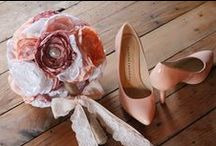DIY Wedding Bouquets / Flowers / Make your own wedding bouquets with these amazing tutorials and gorgeous inspiration! Besides DIY bouquets, there are also amazing other ways to work with wedding flowers to keep costs low but style high. Learn how to arrange flowers in incredible ways with these tutorials.