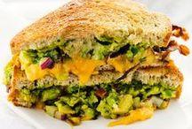 Sandwitchery / A good sandwich is sorcery.