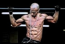 Fitness & Calisthenics / Calisthenics, Crossfit, Freeletics, Motivational Photos, Training Guides and different other sports.