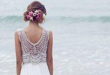 A different bride/A different bridal dress / bride ideas-bride dress-maquillage-bride manicure-bride shoes-white dress-λευκο φόρεμα- μακιγιαζ νυφης-μανικιουρ νυφης-ιδεες νυφης