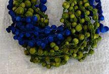 Бижутерия вязаная и текстильная