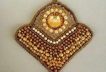 Embroidery / L'arte del ricamo con perline e altro materiale creativo