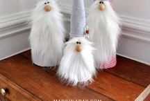 Adorable Holiday DIYs / Easy DIY Holiday Decor and DIY gifts.