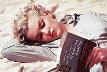 029 Marilyn raeding / No solo era guapa, era inteligente. / by Julio Heiremans