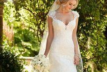 Essense of Australia bruidsmode / Essense of Australia wordt gekenmerkt door slanke, eenvoudige silhouetten, en trouwjurken versierd met krachtige parels en romantisch kant. Dit is waar elke bruid, op zoek naar de trouwjurk van haar dromen, de sleutel tot romantiek ontdekt.