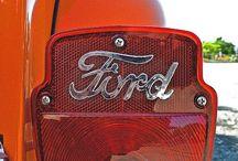 Ford / Estados Unidos (1903 a la fecha) / by Esteban Bañuelos