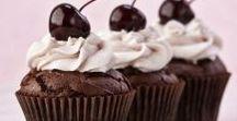 Yummo Cupcakes / Delicious cupcake yummos.