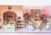 Quarter scale dollhouse miniature / miniature