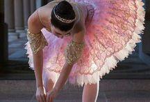 Art. Dance / La danza o el baile es un arte en donde se utiliza el movimiento del cuerpo, usualmente con música, como una forma de expresión, de interacción social, con fines de entretenimiento, artísticos o religiosos. Es el movimiento en el espacio que se realiza con una parte o todo el cuerpo del ejecutante, con cierto compás o ritmo como expresión de sentimientos individuales, o de símbolos de la cultura y la sociedad. / by 💙Elizabeth VH💙