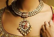 Jewelry / Sprakling, shining jewellry in every color, shape and form