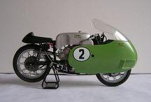 Moto Guzzi / Motorsykler