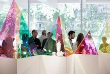 Kommercielle installationer / Udforskelse af den tværfaglige praksis mellem installationsformat og oplevelsesøkonomi