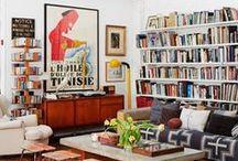 Salon / Plein de fauteuils partout : des moelleux, des plus raides; de la couleur qui répond à d'autres couleurs... Des petits mots doux accrochés au mur.  www.lecanapecestlavie.fr