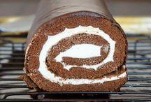 Biskuitrolle / Rouladen Kuchen / Hier gibt es Kuchen die werden gerollt zu einer Biskuitrolle