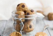 Raw Food / Bliss Balls, Energiebällchen und alles was sich aus Superfood, Nüssen und Trockenfrüchten noch so zaubern lässt