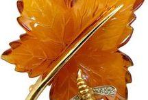 Jewelry: Leaf/Thistle/Cone/Tree