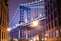 New York City / New York City [ˈnjuːˈjɔːk] (auch New York) ist eine Weltstadt an der Ostküste der Vereinigten Staaten von Amerika. Sie liegt im Bundesstaat New York und ist mit mehr als acht Millionen Einwohnern die bevölkerungsreichste Stadt der Vereinigten Staaten.(Quelle: Wikipedia)