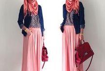 "Hijabi ""Modest"" Fashion"