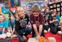 Ratujemy i Uczymy Ratować || Teaching CPR