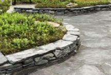 Kasvien istutusaltaita / Istutusaltaan voi rakentaa niin puusta, kivestä kuin betonistakin tai näiden kaikkien yhdistelmästä. Istutusaltaan avulla kasvit pääsevät näyttävästi esille ja niiden sekä ympärillä olevan ympäristön hoito helpottuu.