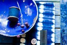 Inspiration Bleu Azur / L'Atelier d'Amaya vous propose de vous plonger dans son tableau d'Inspiration Bleu Azur. Découvrez une sélection de bijoux bleus avec nos inspirations!