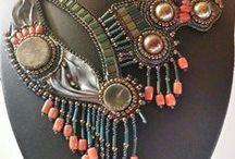 Bead Embroidery Collars / Preziosi collari realizzati in tecnica embroidery.Ciascun collare, realizzato con materiali di prima scelta, è un PEZZO UNICO. Esattamente come un abito sartoriale, il collare viene disegnato sulla persona seguendone le linee del corpo, perchè il gioiello sia in totale armonia con la figura. Un tubino nero, un collare Laly Jewels.....e la magia è fatta!