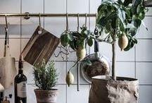 KITCHEN STYLING //