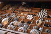 ♕ ButToN uP, It's CrafTy In HerE! / I LoVe BuTtonS, OLd & NeW, I LoVe BuTton's YES I DO!