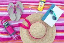 .. beach bag essentials .. / Beach Bag Must-Haves