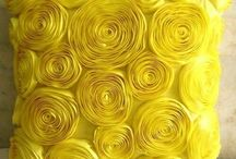 YELLOW / Use the colour YELLOW to process thoughts, bring wealth , optimism and pleasure into your life