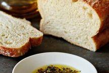 Breads & Rolls / Baked bread & rolls.
