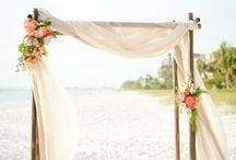 Beach Wedding Inspiration <3 / Ideas for beach weddings.